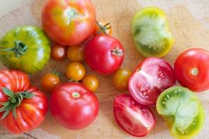 Yummmmm   LOVE tomato....