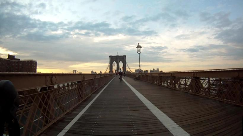 Approaching the Brooklyn Bridge from the west.